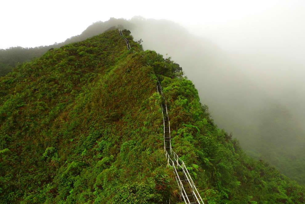Haiku Stairs Hawaii S Stairway To Heaven Only In Hawaii