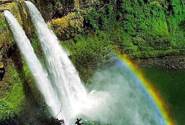 Waterfalls of Hawaii - Wailua Falls
