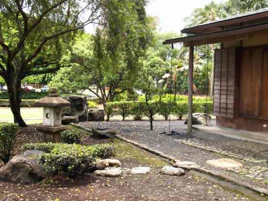 Liliuokalani Park and Gardens - Tea House