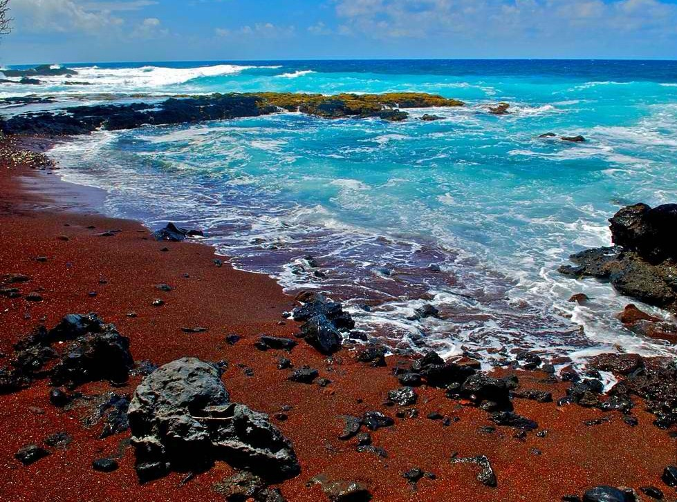 Red Sand Beach On Kaihalulu Bay An Exotic Pocket In Maui Only Hawaii