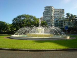 Dillingham Fountain at the end of Kapiolani Park