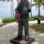 Kuhio Beach Park - Prince Kuhio Statue