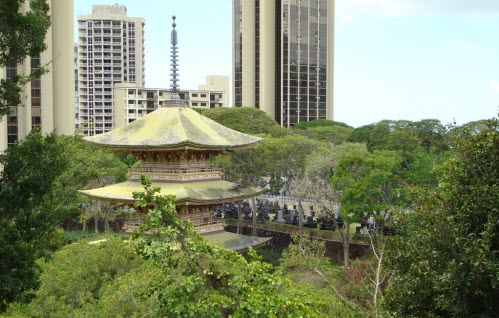 Sanju Pagoda in Honolulu Memorial Park