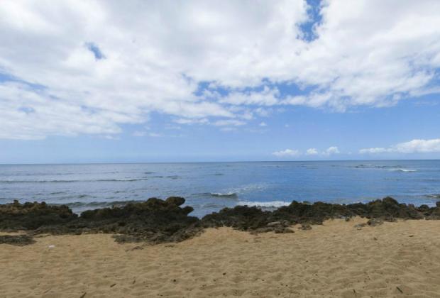 Kaiaka Bay Beach Park - Oahu Hawaii